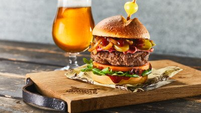 Hamburger, Smokey Beer Burger, BBQ, barbecuesaus, barbecuesaus met bier, Burger & Grill